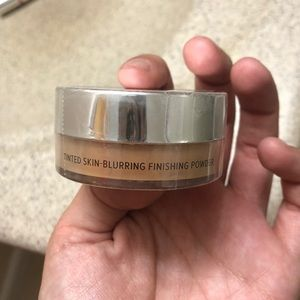 it cosmetics Makeup - IT Cosmetics Bye Bye Pores Tinted Finishing Powder